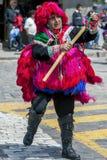 Ein Ausführender in der Maifeiertagsparade in Cusco, Peru lizenzfreies stockfoto