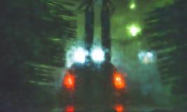 Ein Auto, das durch automatische Waschanlage läuft Stockfotos