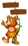 Ein Bär und das leere Schild Stockbild