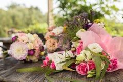 Ein Bündel Hochzeitsblumen Stockbild