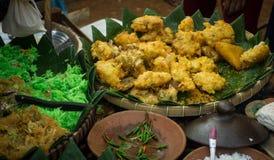 Ein bakwan traditionelles Lebensmittel von Indonesien mit Mais Stockbild