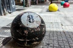 Ein Ball 8 gemacht vom Beton Lizenzfreies Stockbild