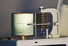 Ein Barometer, das ein Diagramm zeichnet Stockfotos