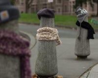 Ein Beitrag kleidete richtig für den Winter in Seattle, Washington 12 an Stockbild