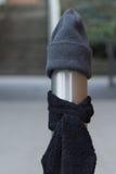 Ein Beitrag kleidete richtig für den Winter in Seattle, Washington 30 an Stockbild