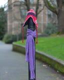 Ein Beitrag kleidete richtig für den Winter in Seattle, Washington 23 an Stockbild