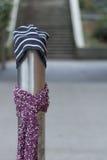 Ein Beitrag kleidete richtig für den Winter in Seattle, Washington 29 an Stockbilder