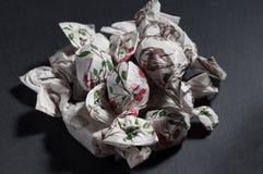 Ein Berg von handgemachten Süßigkeiten lizenzfreies stockbild