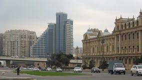 Ein bewölkter Januar-Abend in modernem Baku azerbaijan stock video footage