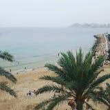 Ein bewölkter Tag auf dem Strand Lizenzfreies Stockfoto