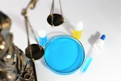 Ein Bild auf dem Thema des Dopings und des Gesetzes Stockbilder