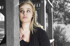 Ein Bild einer traurigen jungen enttäuschten Frau Stockbilder