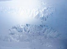 Ein Bild eines Frosts auf der Fensterscheibe stockfotografie