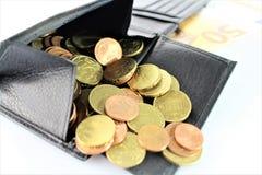 Ein Bild eines Geldbeutels mit Geld Stockfotografie
