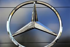 Ein Bild eines Mercedes Benz-Logos - schlechtes Pyrmont/Deutschland - 10/14/2017 Stockfotografie