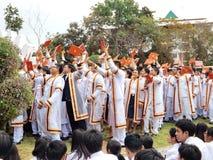 Ein Bild glücklich von den Studenten an der Graduierungsfeier Stockbilder