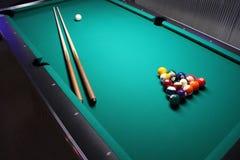 Ein Billardtisch, Einrichtung für ein Spiel. Lizenzfreie Stockfotos