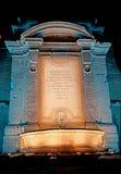 Ein Blaulicht für den Vanvitelli-Brunnen in der Nacht Lizenzfreie Stockbilder
