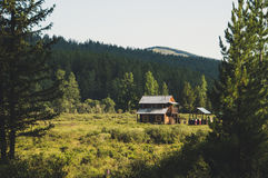Ein Blockhaus auf dem Jagdgebiet, Sibirien, Altai Stockfotos