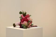 Ein Blumenstrauß auf Würfel Lizenzfreie Stockbilder