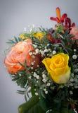 Ein Blumenstrauß der Rosen lizenzfreies stockbild