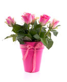 Ein Blumenstrauß der schönen rosafarbenen Rosen Lizenzfreie Stockfotos