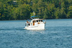 Ein Boot auf dem See Lizenzfreies Stockfoto