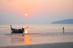 Ein Boot auf Meer Stockbilder