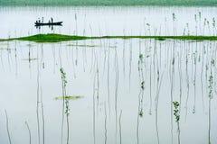 Ein Boot im Xiangjiang-Fluss Stockbild
