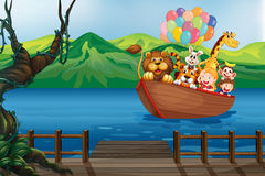Ein Boot mit Tieren Stockfoto