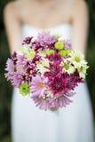 Ein Braut ` s Blumenstrauß von Blumen Lizenzfreies Stockbild