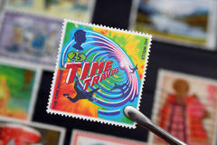 Ein britischer Stempel über die Zeit-Reise (redaktionell) Lizenzfreie Stockbilder