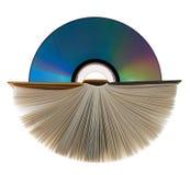 Ein Buch und eine Digitalschallplatte auf Weiß. Lizenzfreie Stockfotografie