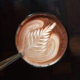 Ein Cup heiße Schokolade stockbild