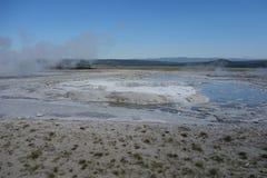 Ein dämpfendes thermisches Pool an Yellowstone-Park Stockfotografie