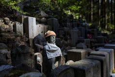 Ein Denkmal in Okunoin-Kirchhof, Koyasan Stockbild
