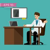 Ein Doktor, das Laborkittel tragen, sitzen und geben die Beratung über geduldiges Symptom Lizenzfreies Stockfoto