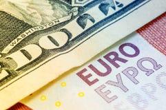 Ein Dollar zehn Euro Stockfoto