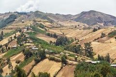 Dorf auf den Hügeln Lizenzfreies Stockbild