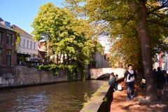 Ein Drängen, Brügge - Belgien zu besichtigen lizenzfreies stockbild
