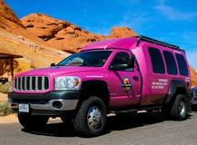 Berühmter rosa Jeep-LKW Stockbilder