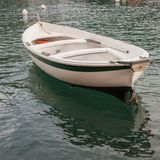 Ein einfaches Fischerboot Stockbilder