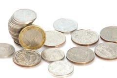 Ein Euro und thailändischer Baht Lizenzfreies Stockfoto