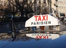 Ein Fahrerhaus in Paris Lizenzfreies Stockfoto