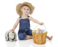 Ein Farmmädchen ` s Ostern Lizenzfreie Stockbilder