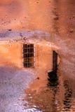 Ein Fenster in der Pfütze Lizenzfreies Stockbild