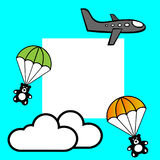 Ein Fliegenkarikatur-Grauflugzeug, teddybears mit Fallschirmen und zwei Wolken gegen blauen Hintergrund und Platz für Text Lizenzfreie Stockfotos