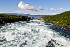 Ein Fluss in Schweden Stockfotografie