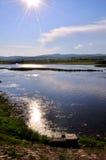 Ein Flussfluß friedlich Lizenzfreie Stockfotos