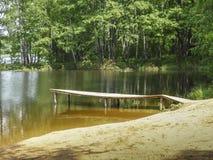 Ein Flussstrand Stockbild